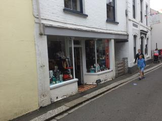 PRIME GROUND FLOOR LOCK UP SHOP - 30 FORE STREET, FOWEY