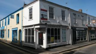 GRADE II LISTED PROMINENT CORNER SHOP TO LET - 106 KENWYN STREET, TRURO