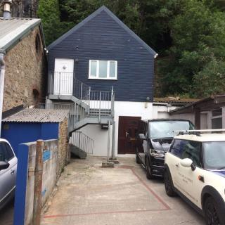 SERVICED OFFICE TO LET WITH PARKING - CARVEDRAS, ST GEORGE'S STREET, TRURO