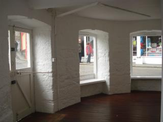 PROMINENT RETAIL PREMISES TO LET - UNIT 3/4 MARKET HOUSE, MARKET PLACE