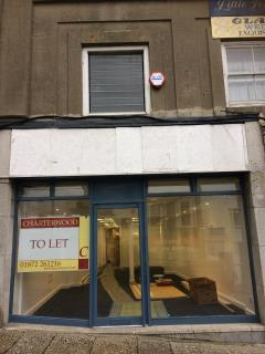 PRIME SHOP TO LET - 40 MARKET PLACE, PENZANCE (AVAILABLE FROM 25TH NOVEMBER 2019)