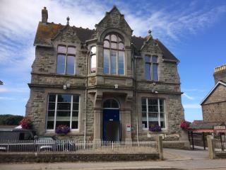 WELL PRESENTED TREVITHICK OFFICE SUITE - THE OLD ART SCHOOL, 6 CLINTON ROAD, REDRUTH