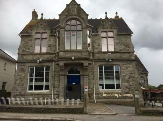 WELL PRESENTED HUMPHRY DAVY OFFICE SUITE TO LET - THE OLD ART SCHOOL, 6 CLINTON ROAD, REDRUTH