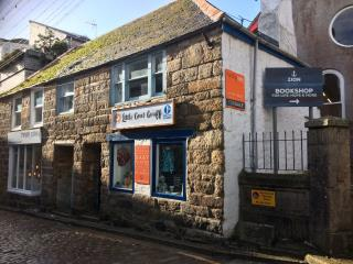 GRADE II LISTED PRIME RETAIL AND RESIDENTIAL INVESTMENT FOR SALE - 40 FORE STREET, ST IVES